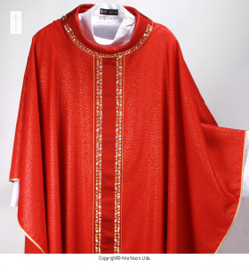 Red Color Pedras Vivas Chasuble